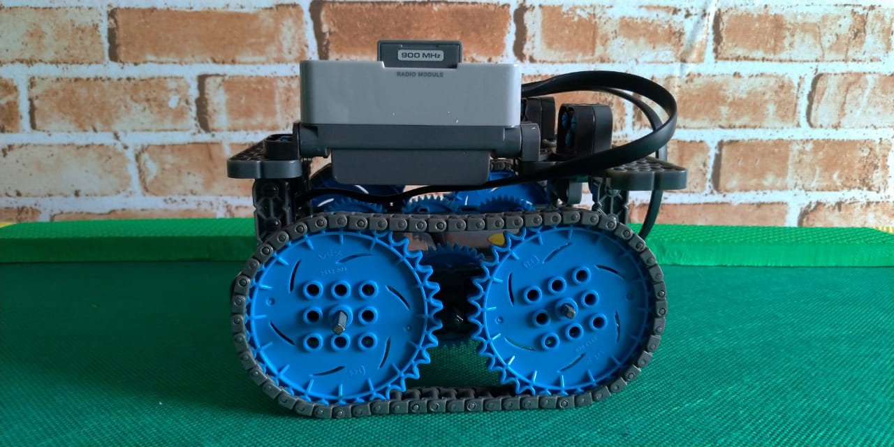 Robot-vex-iq-fabrica-de-nerdes-lcs-2019