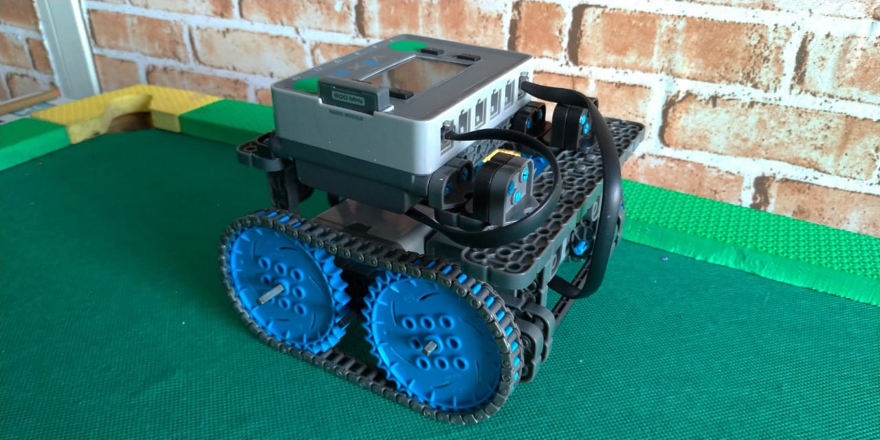 Fabrica-de-nerdes-robot-lcs-2019